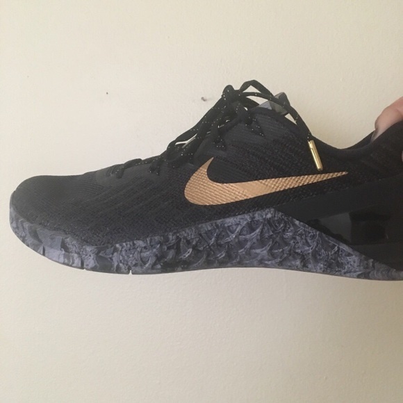 0508a3a84c7fe Nike Women's Metcon 3 AMP Training Shoes 8 1/2